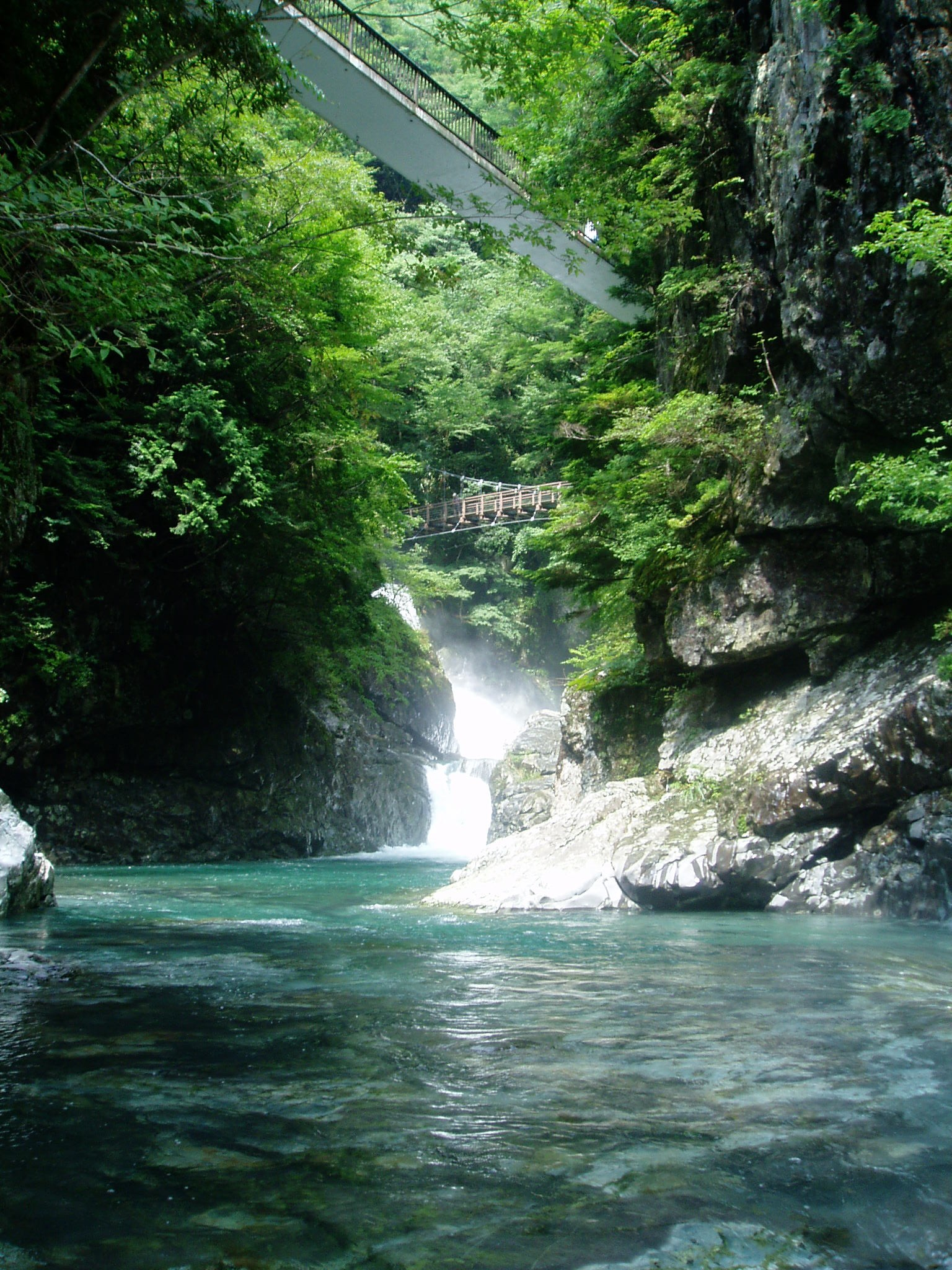 http://www.pref.nara.jp/secure/79917/mitaraikeikoku-summer.jpg